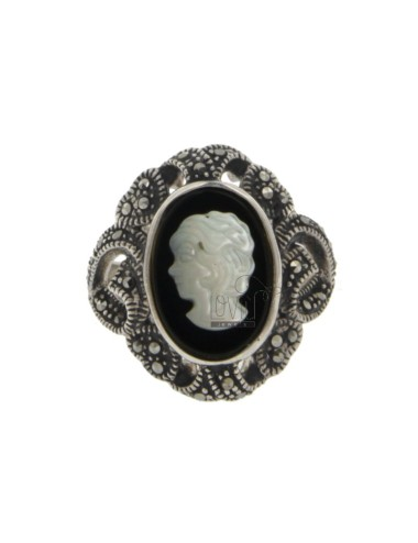 OVAL RING WITH CAMEO IN AND...