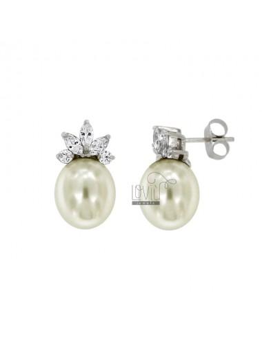 Orecchini con perla ovale...