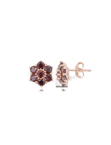 Lobe earrings with flower...