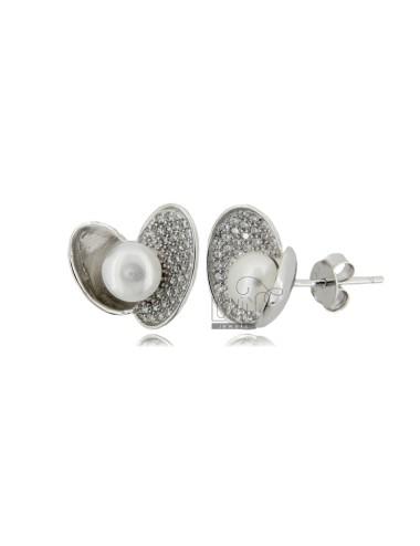 Heart lobe earrings with...